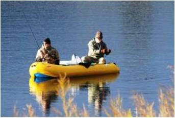 4 inflatable boats that are freely available to members